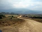 Гледка от Големо бучино на строящата се магистрала ... а планината е Витоша